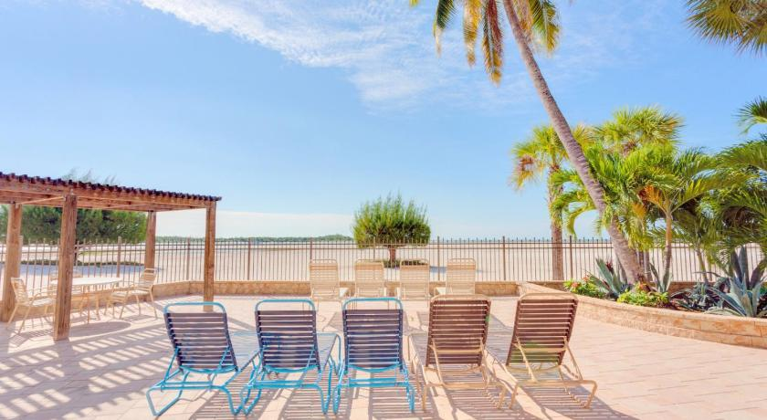 Carlos Pointe 115 by Vacation Rental Pros