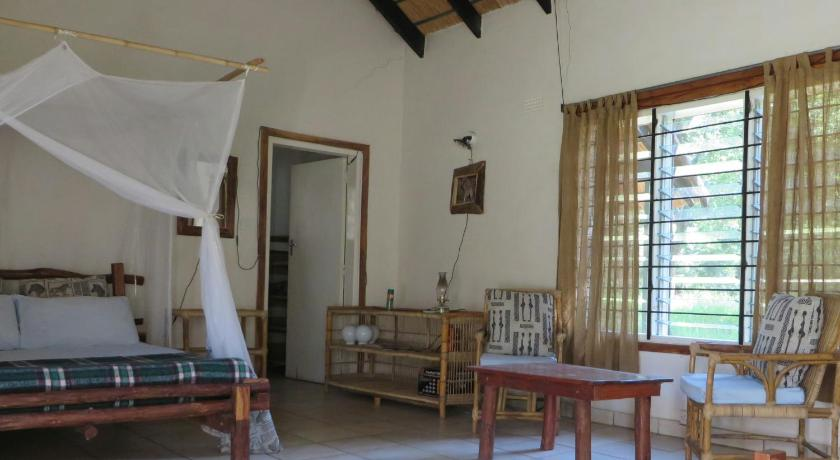 Bungalow with Garden View Kuti Wildlife Reserve