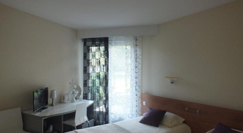 Standard Double or Twin Room with Garden View - Bed Hotel Restaurant Le Jardin Délice