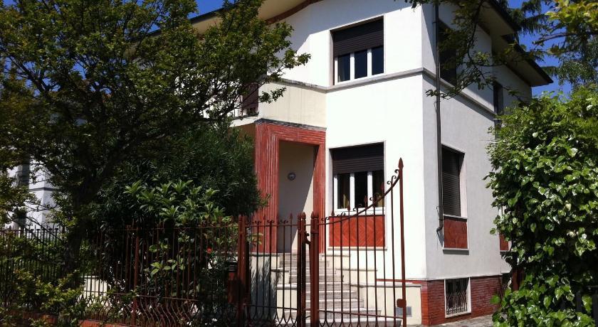 Lucca In Villa Elisa & Gentucca Viale Armando Diaz 71 Monte San Quirico