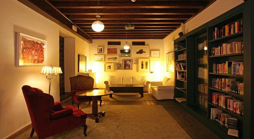 hoteles con encanto en granada  133