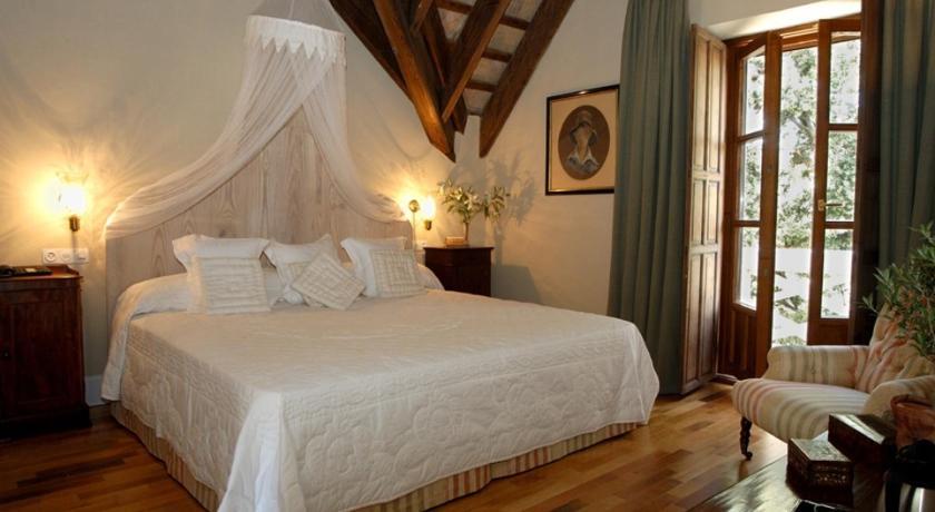 hoteles con encanto en cádiz  9