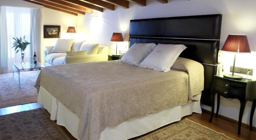 Hotel Mirador de Dalt Vila 11