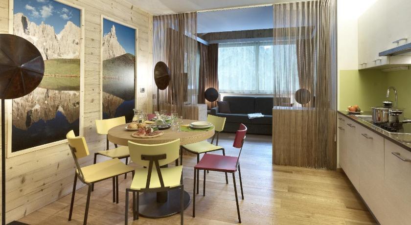 Color Home Suite Apartments Via Venezia, 54 Predazzo