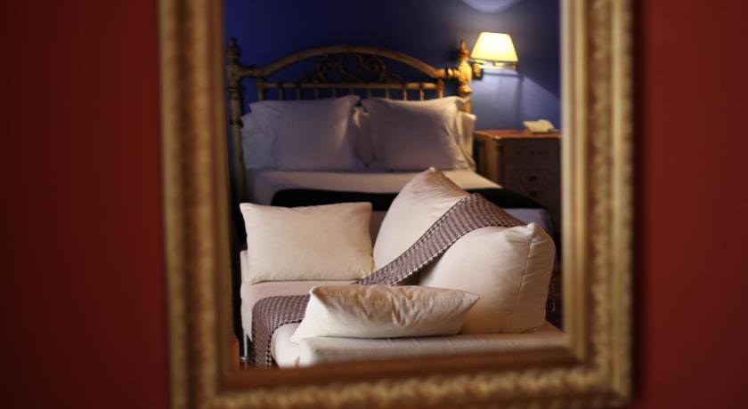 hoteles con encanto en castelló d'empúries  10