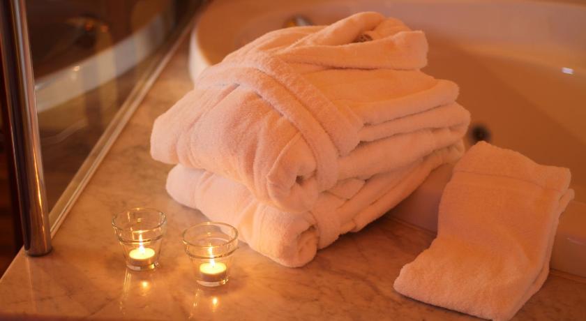 hoteles con encanto en castelló d'empúries  9