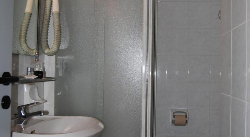 Economy Double Room - Shower Hotel La Fenice