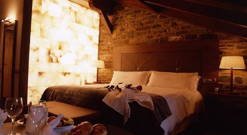 hoteles con encanto en aínsa  17