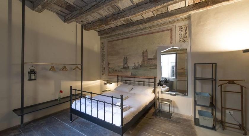 B&B Trentacinque, Verona, Italy - Photos, Room Rates & Promotions