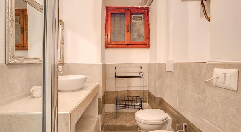 Bathroom HI Fico apartment Rome