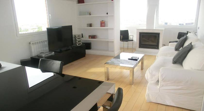 Sytb&b Luxury Bed And Breakfast Avenida de Burgos, 50 Madrid