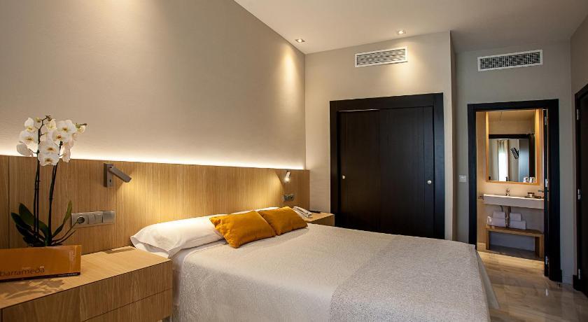 hoteles con encanto en cádiz  218