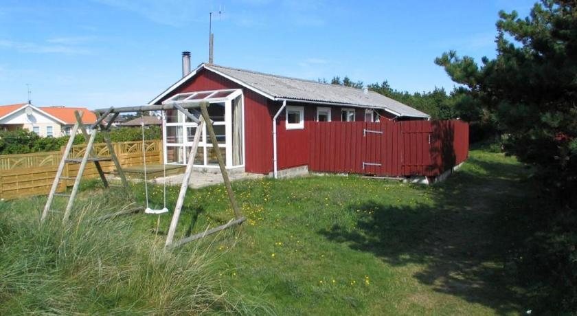 Holiday home Rylevej Henne with Sandpit