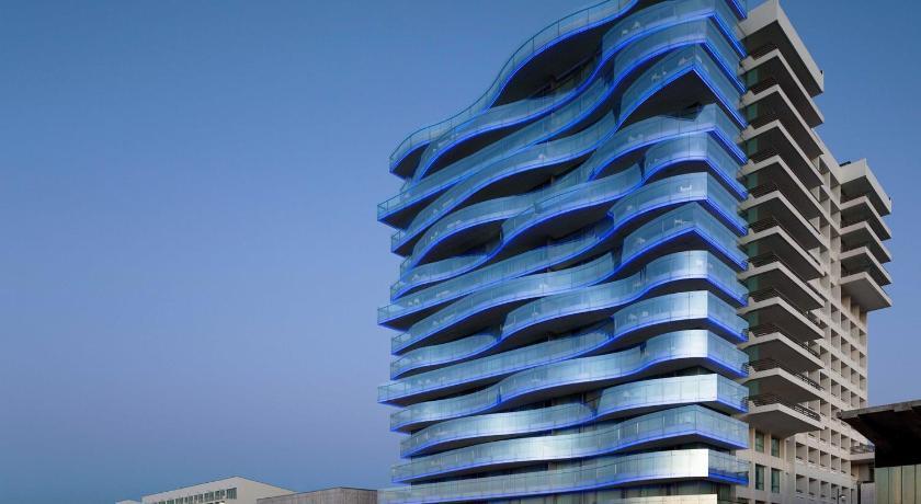 Best price on troia design hotel in setubal reviews for Designhotel 54