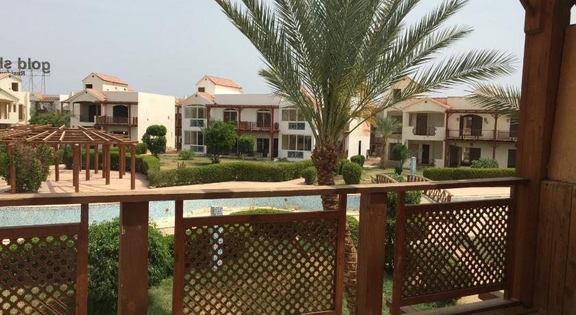 مسبح Apartments at Gold Sharm Eslam Atrees