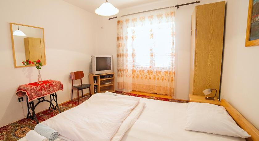 Two-Bedroom Apartment with Terrace and Sea View - Guestroom Apartments Stone House
