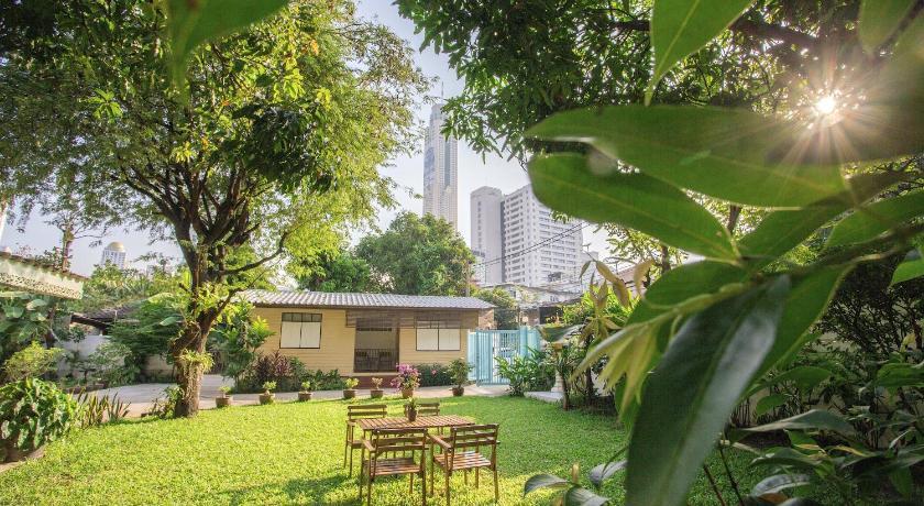 The Bangkokians Garden Home   Book Online   Bed & Breakfast Europe