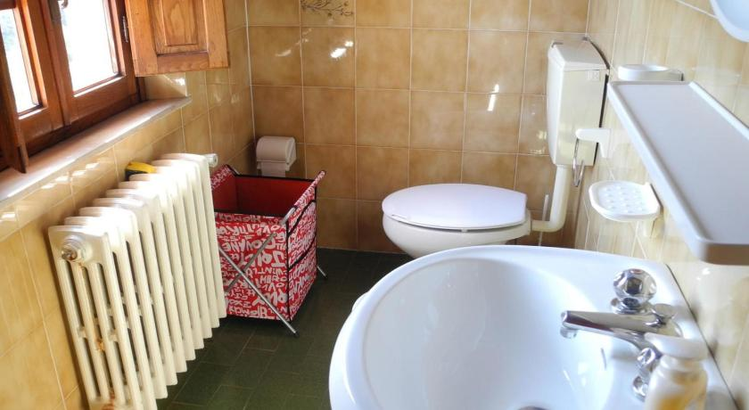 Three-Bedroom Holiday Home Cuore Di Gombitelli