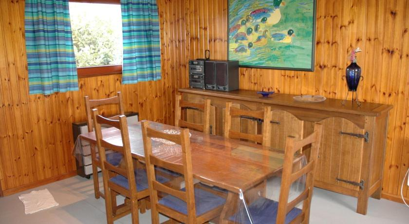 Two-Bedroom Holiday Home Le Nid D Aigle
