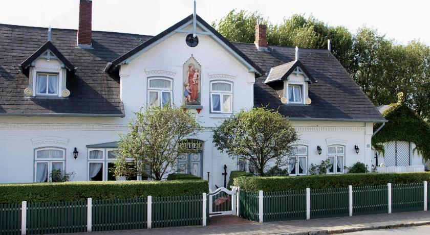 Hotel Friesenhof Hauptstraße 26 Wenningstedt