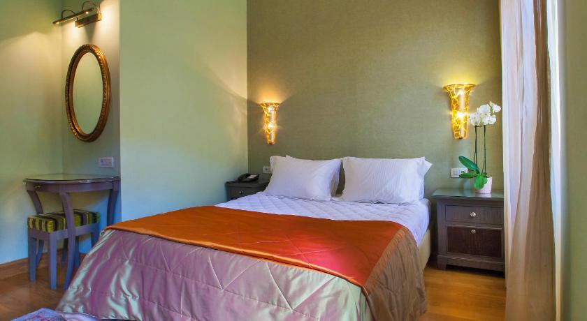Aetoma Hotel 2 Sq. San. Spiridon Nafplion