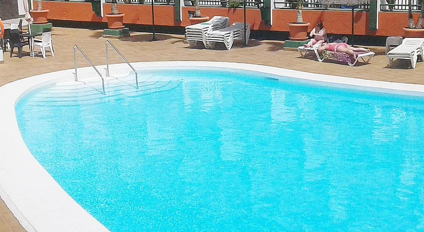 Swimming pool Apartment Bellamente