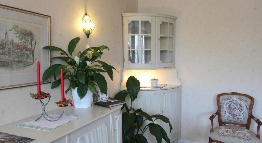 Groovy Bed Breakfast Villa Sedin Harnosand Bedandbreakfast Eu Interior Design Ideas Jittwwsoteloinfo