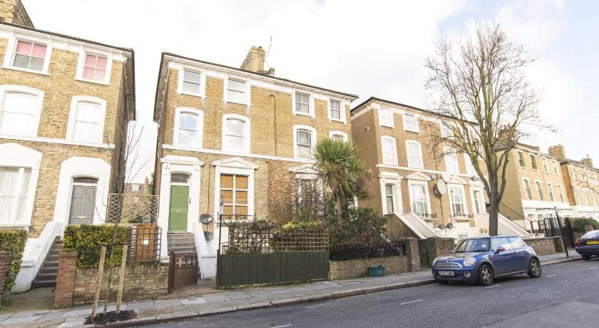 Veeve Shaftesbury Road Apartment London