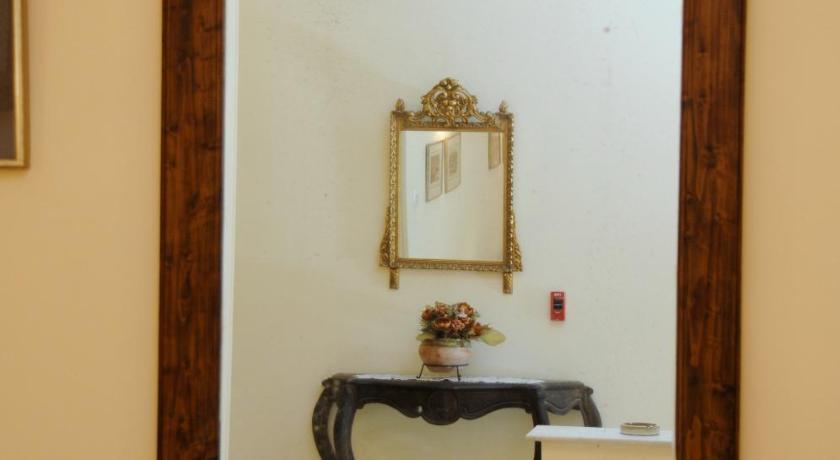 Avra Hotel Vasileos Konstadinou 4-6 Tínos