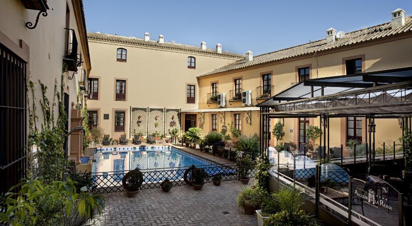 hoteles con encanto en carmona  2