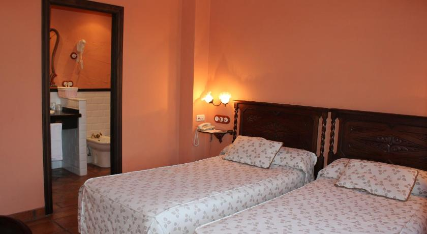 Double or Twin Room - Guestroom Hotel Restaurante Playa de Las Llanas
