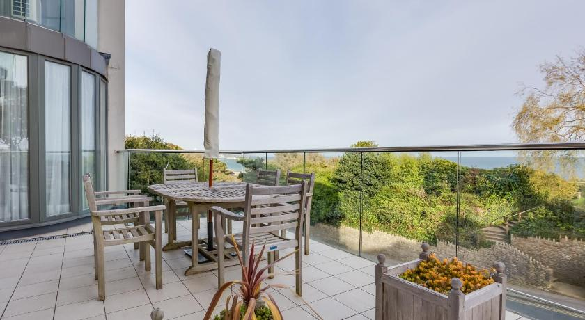 One-Bedroom Apartment - View Durdle