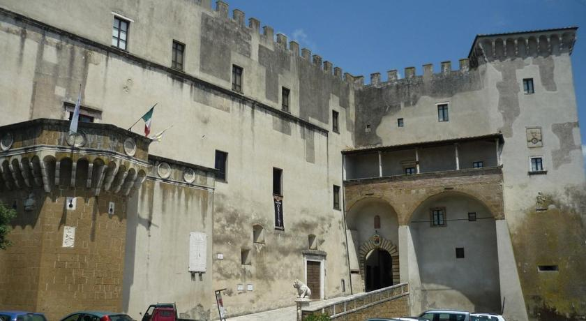 Two-Bedroom Apartment - Entrance Dimora nel Castello Orsini