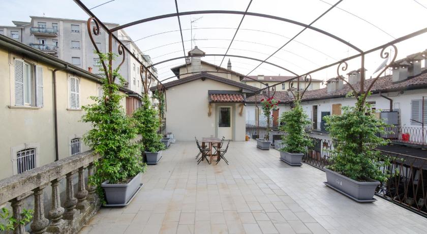 Best Price on Casa Vacanze La Terrazza Fiorita in Bergamo + Reviews