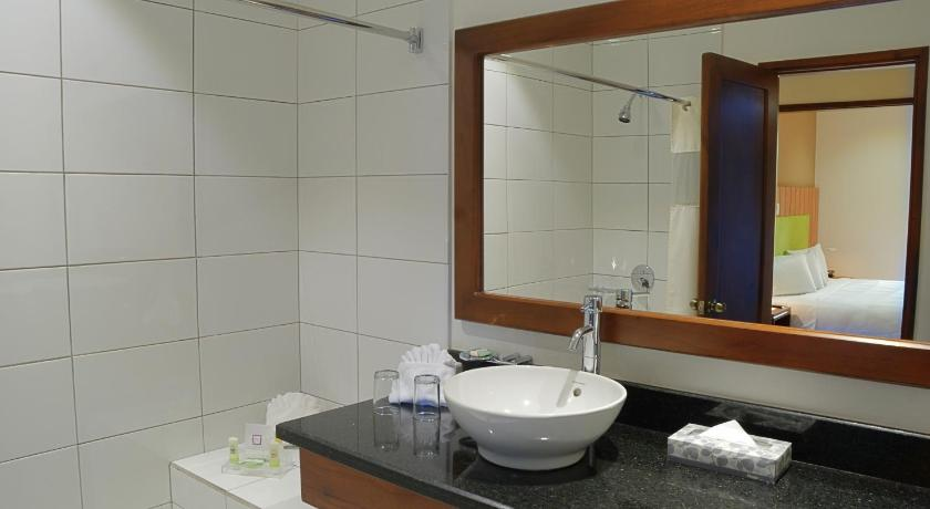 Bathroom Country Inn & Suites San Jose Aeropuerto