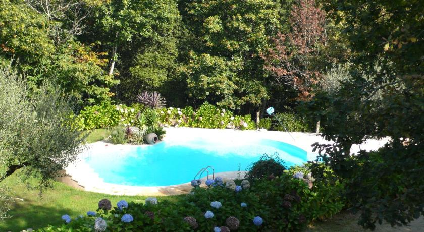 Swimmingpool Quinta dos Castanheiros Bed and Breakfast