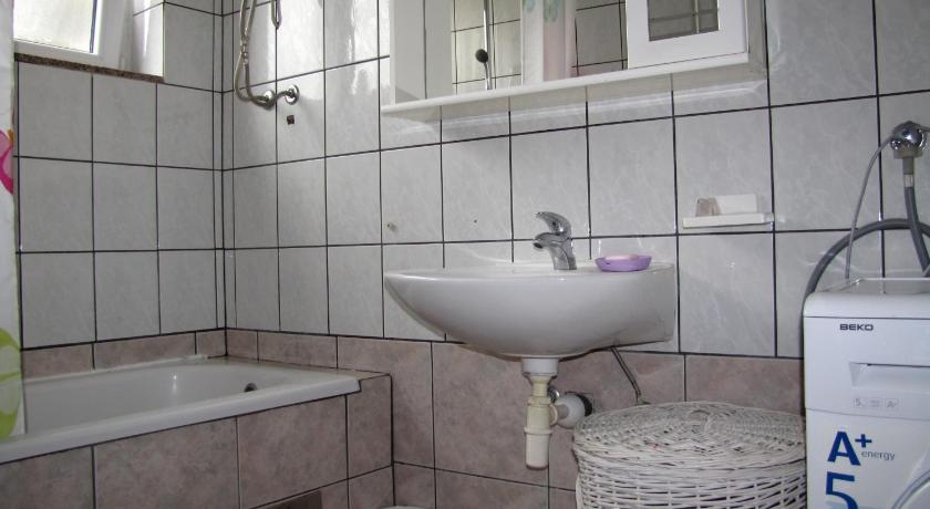 Bathroom Apartment Kolovare Relja
