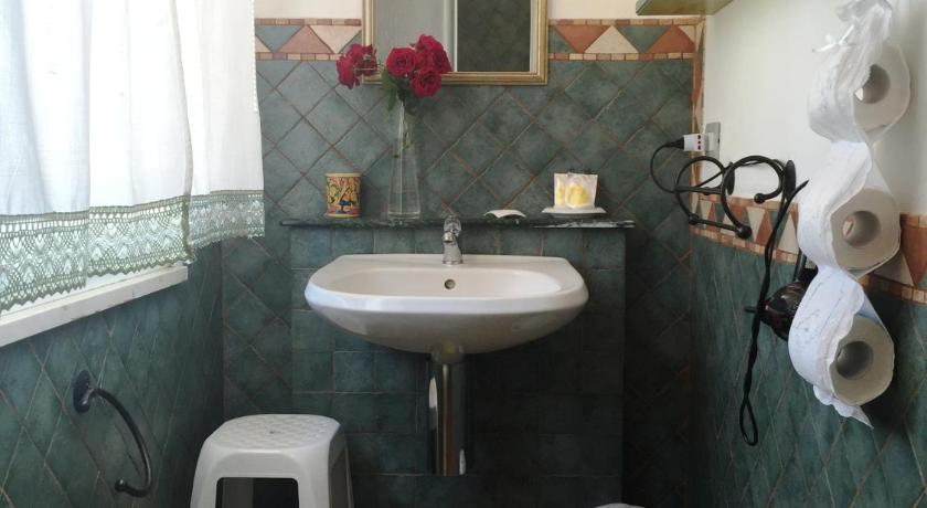 Double or Twin Room - Shower B&B Terre Di Sicilia