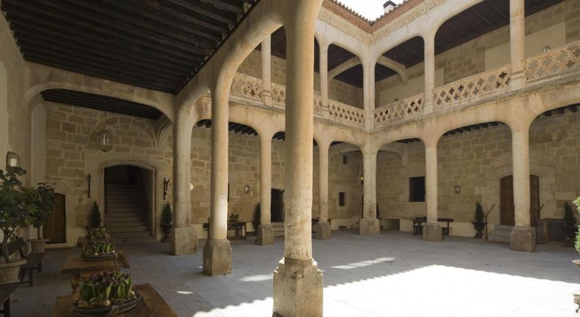 Posada Real Castillo del Buen Amor 6