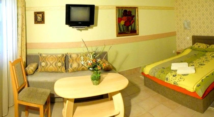 Double or Twin Room - Guestroom Hotel-Pension Residenz