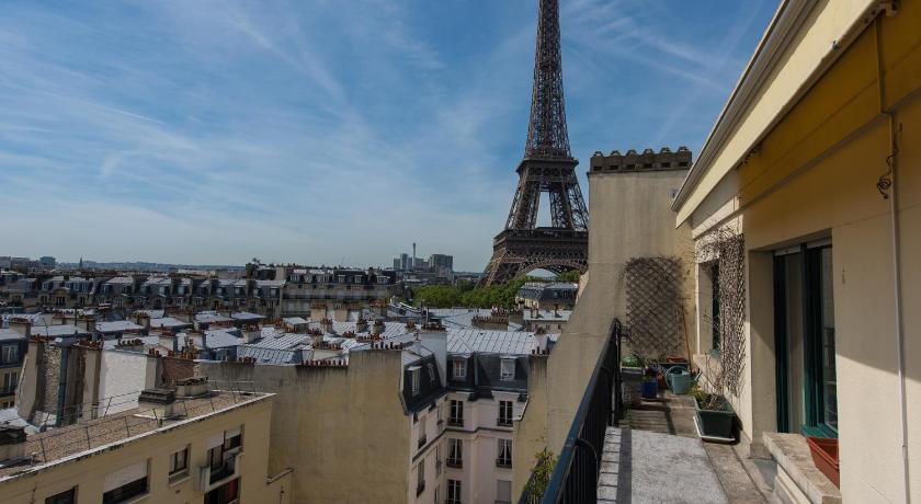 Design Art Eiffel Tower 7th Flat