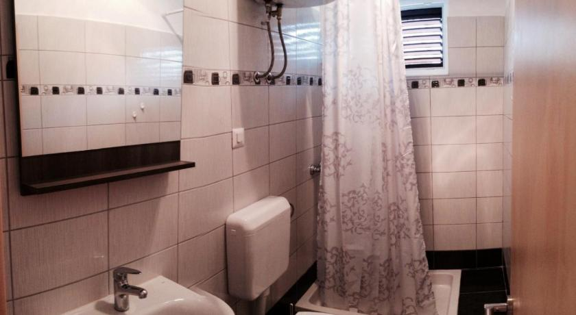 Studio with Sea View - Bathroom Apartment Zvonko