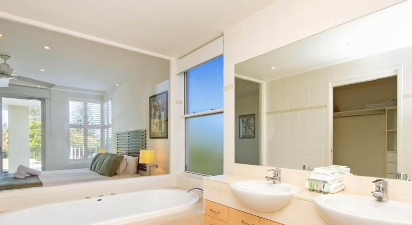 Three-Bedroom Apartment - Bathroom 1/33 The Esplanade, Sunshine Beach