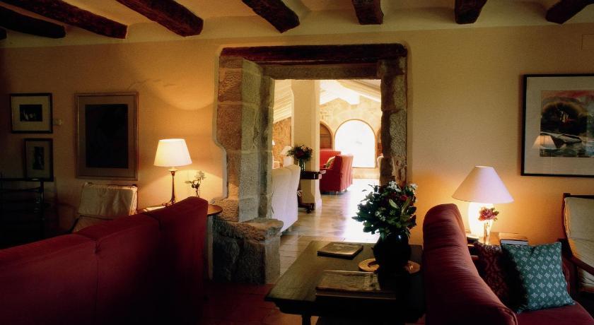 hoteles con encanto en fuentespalda  49