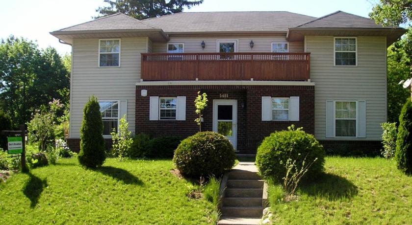 Susan's Villa 5481 Ontario Avenue Niagara Falls