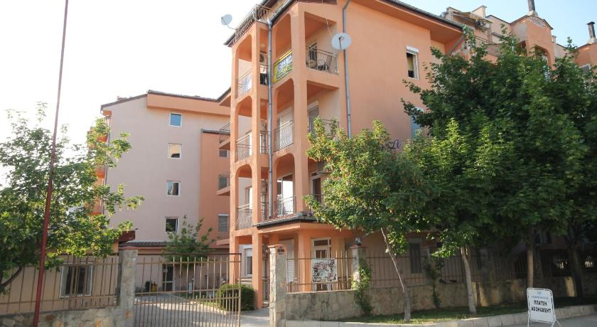 Apartments Arendoo in Casa Brava 2