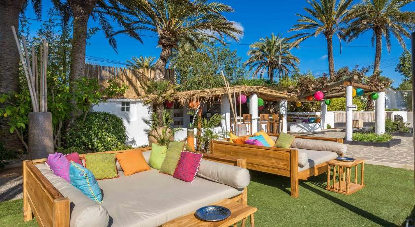 boutique hotels in santa eularia des riu  13