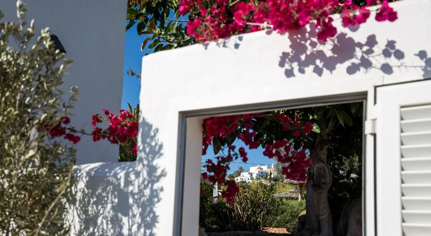 boutique hotels in santa eularia des riu  40