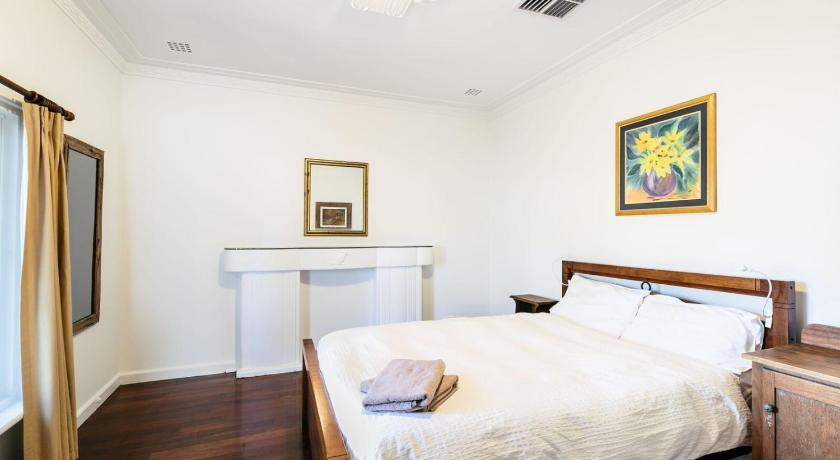 Three-Bedroom Apartment Apartment Jenkin Street