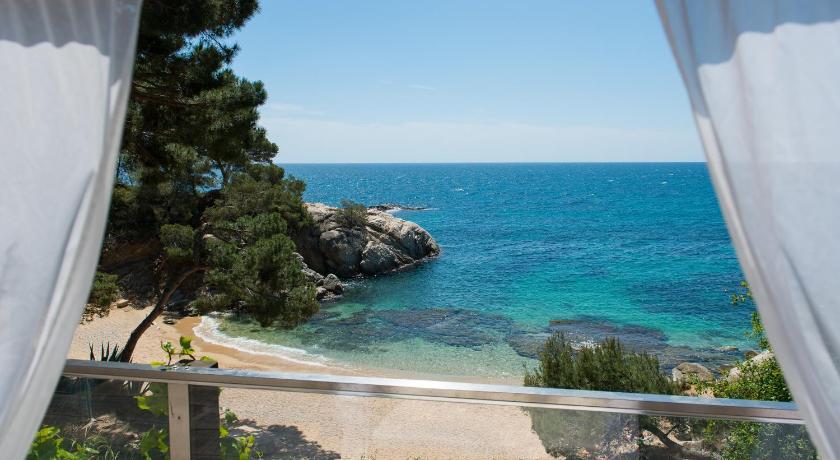 hoteles con encanto en platja  d'aro  32
